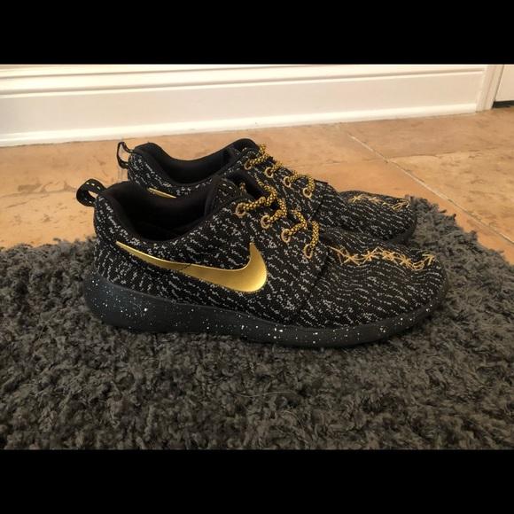 Custom Nike Roshe Run X Flyknit Yeezy